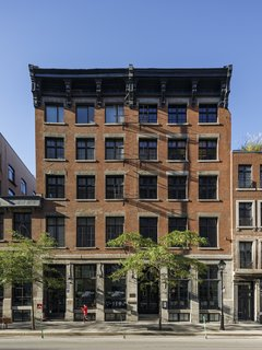 The apartments are located in a building in Old Montreal that dates from 1895. The renovation was complicated on many levels, as the building code has a number of requirements that are hard to accomplish in a 125-year-old structure.