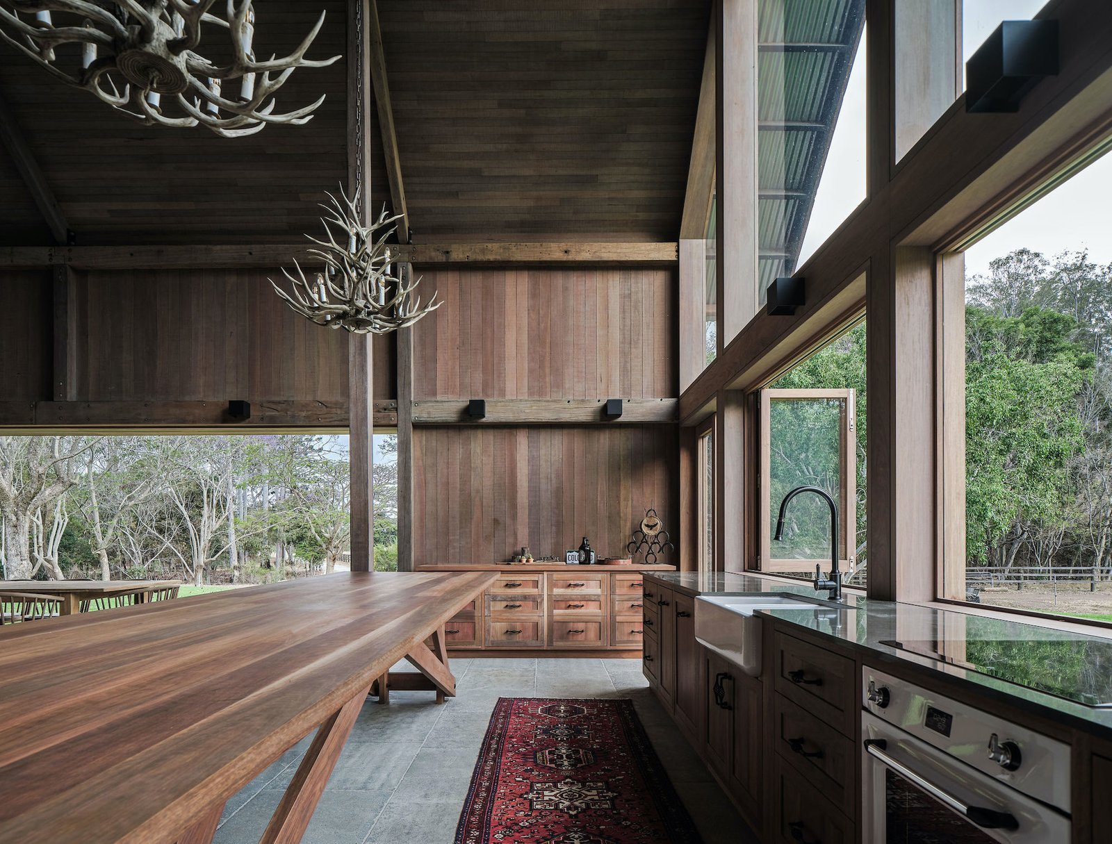 The Barn by Paul Uhlmann Architects kitchen