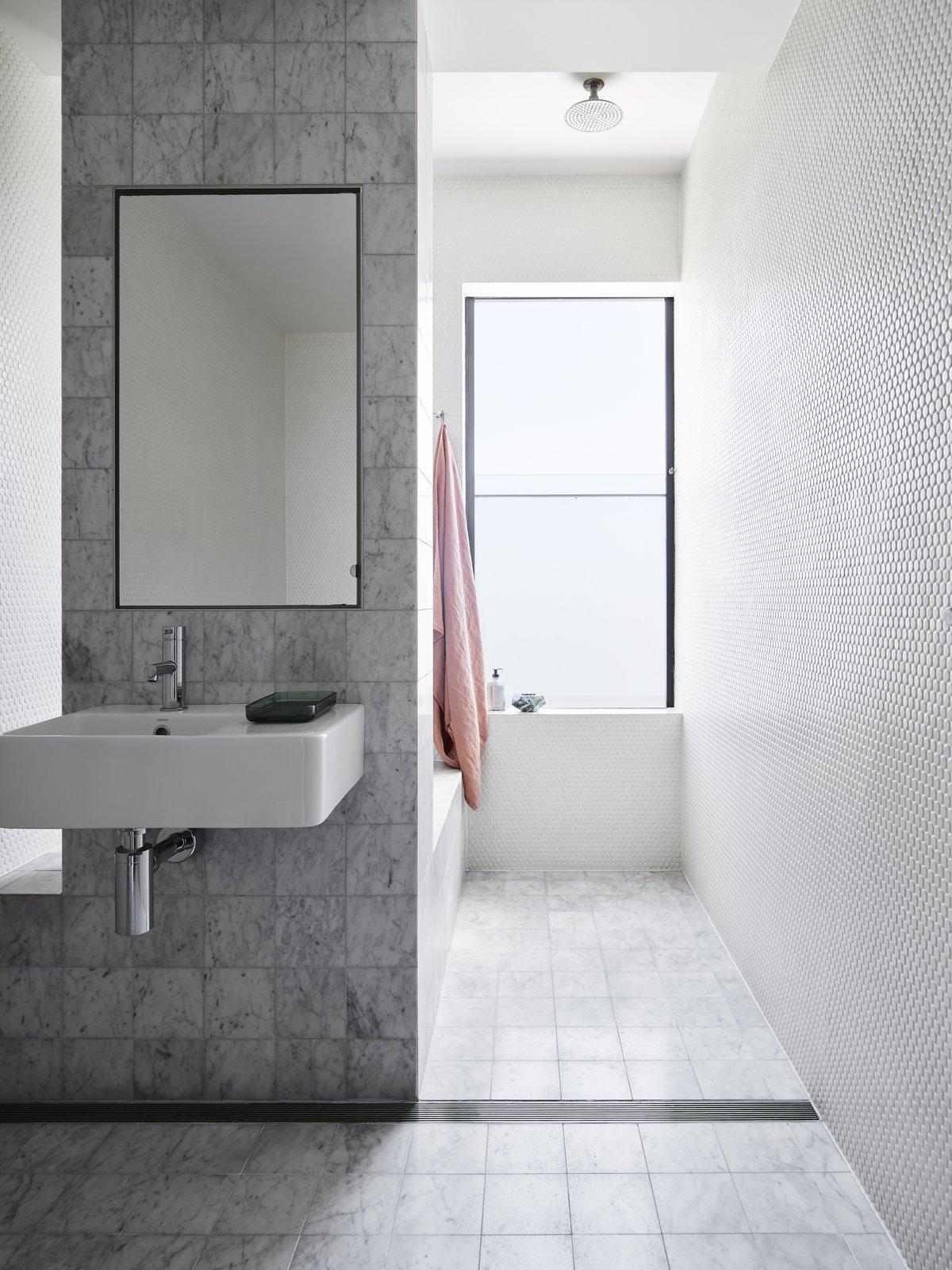 Main bathroom at Bondi Junction House by Alexander & CO.