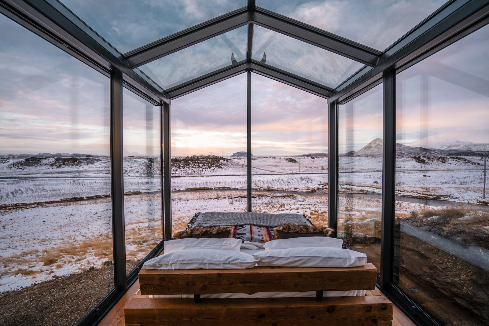 Bedroom at ÖÖD Mirror House.