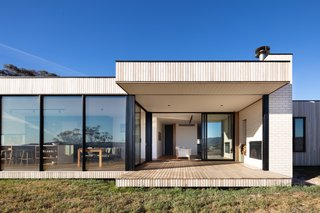 An Affordable Prefab Home Frames the Rugged Landscape in Rural Australia