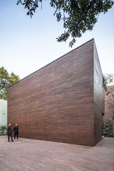 Casa Sierra Fría is the first residential project by Esrawe Studio, the design studio founded by Mexican industrial designer Hector Esrawe in 2003. It is regarded as one of the best known design studios in the country.