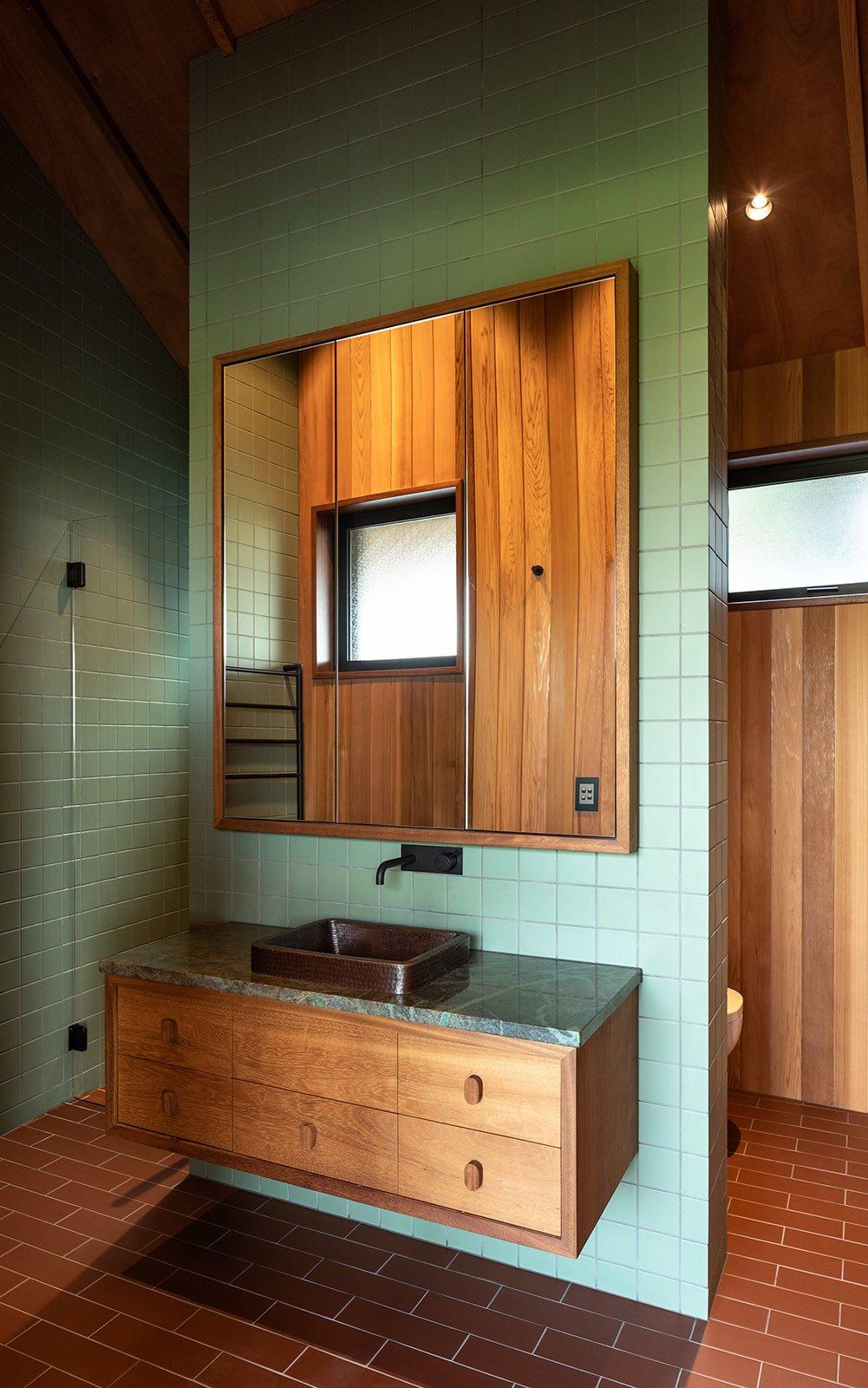 Bowden House bathroom