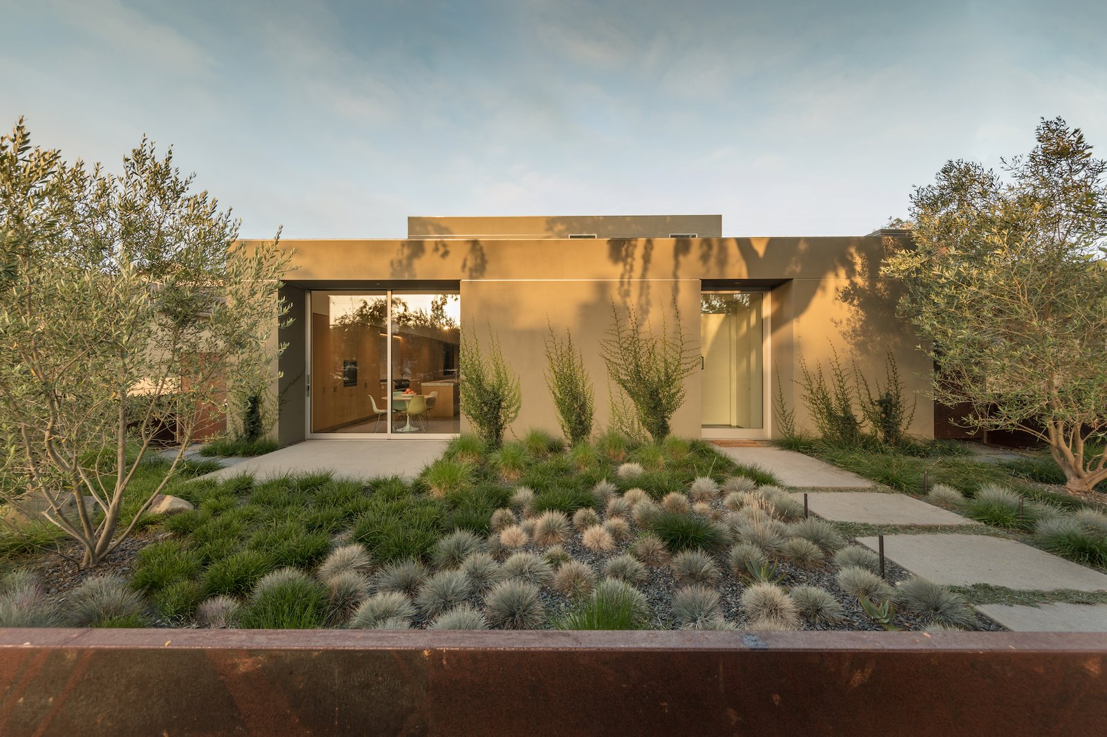 Exterior of Culver City Case Study House by Woods + Dangaran
