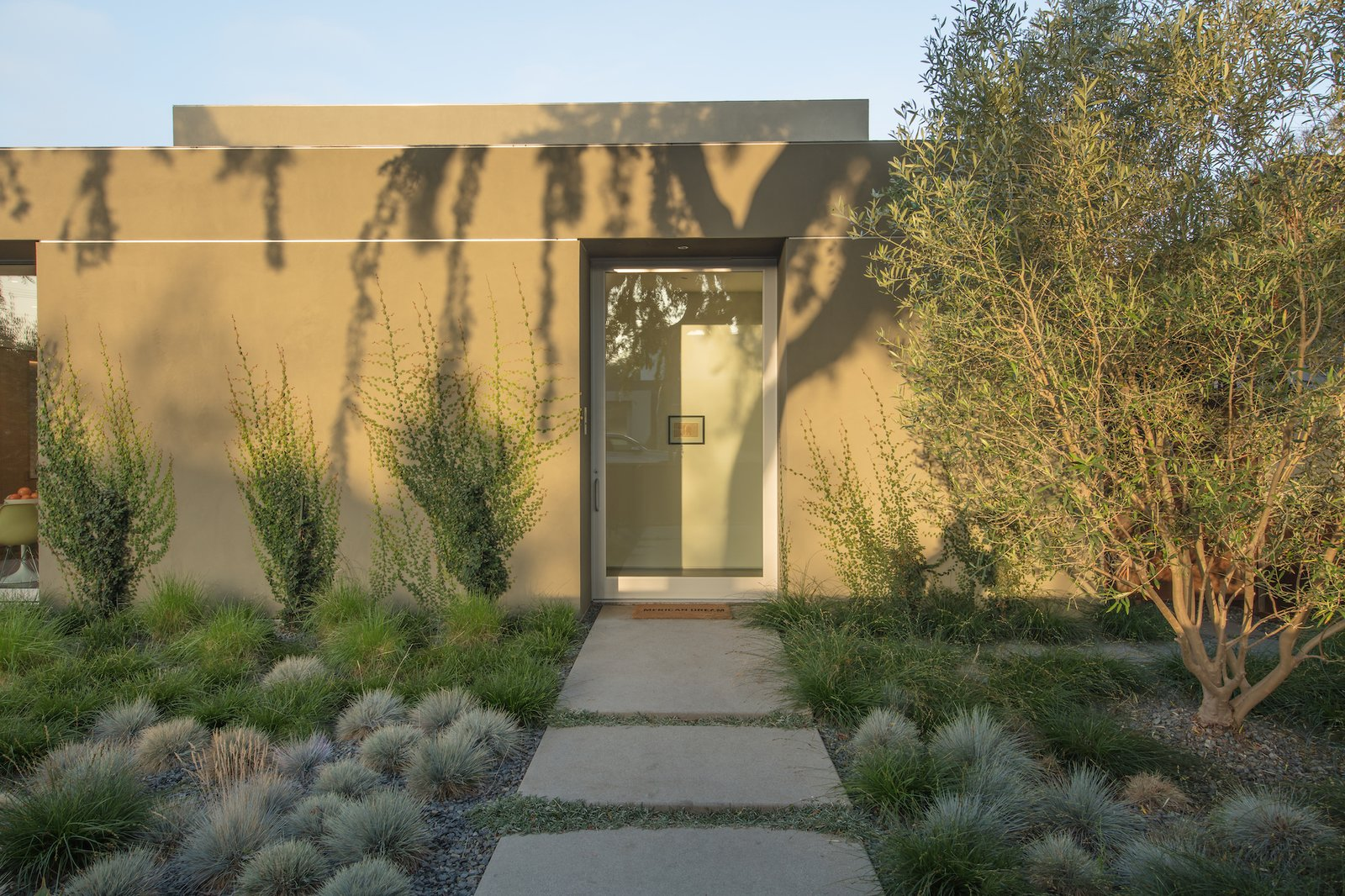 Exterior of Culver City Case Study House by Woods + Dangaran.