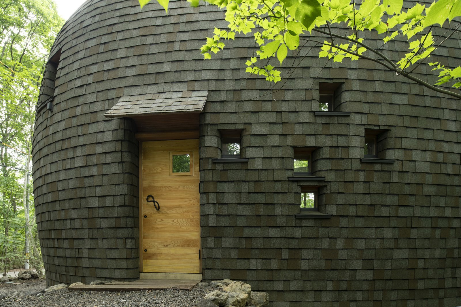 Exterior of Shell House by Tono Mirai Architects.