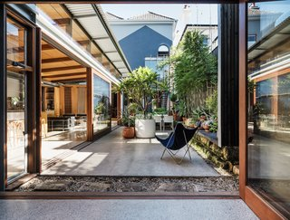 Before & After: A Blighted Boarding House in Sydney Is Now an Adaptable Courtyard Home