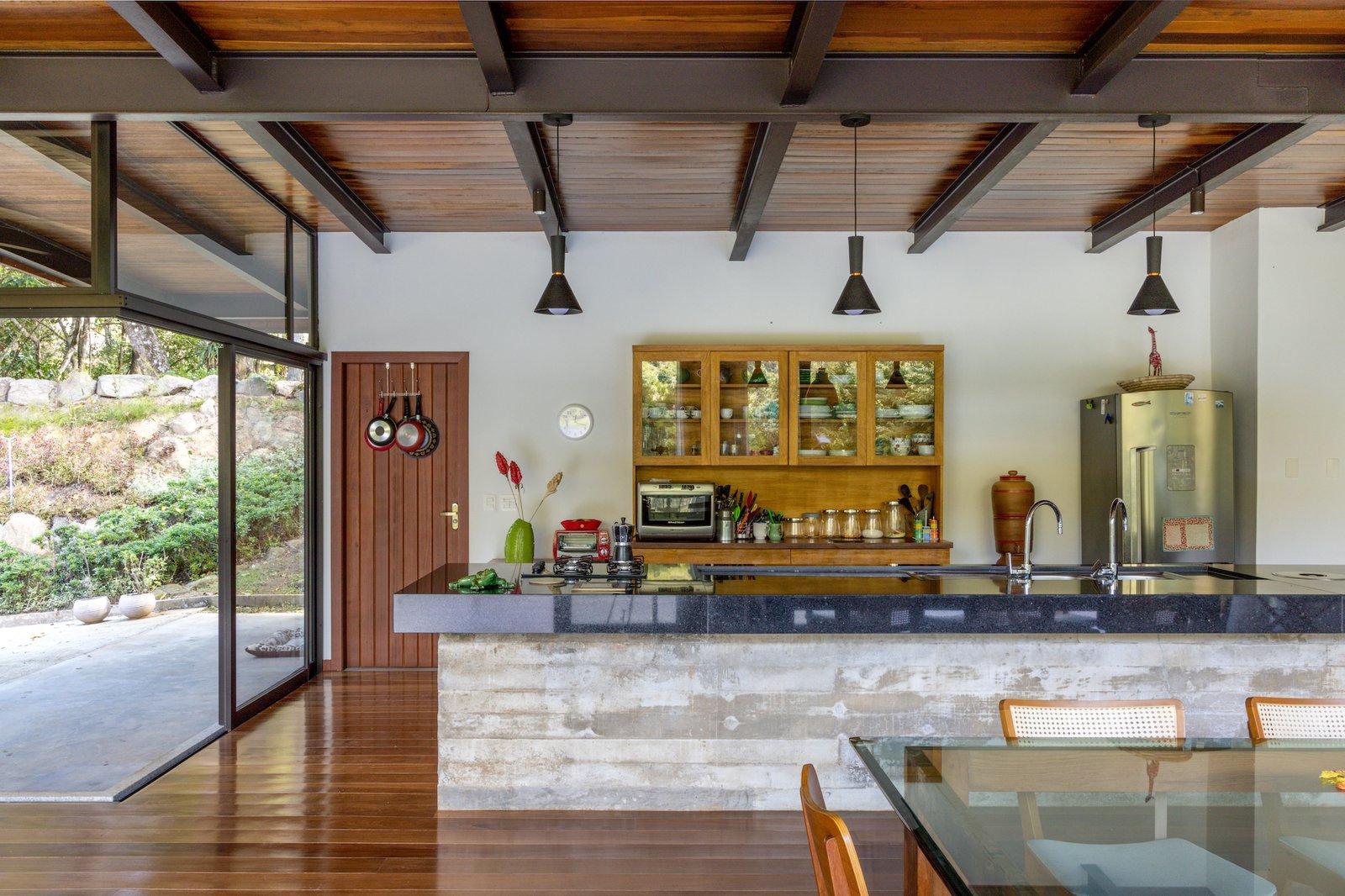 House in Vale Das Videiras kitchen
