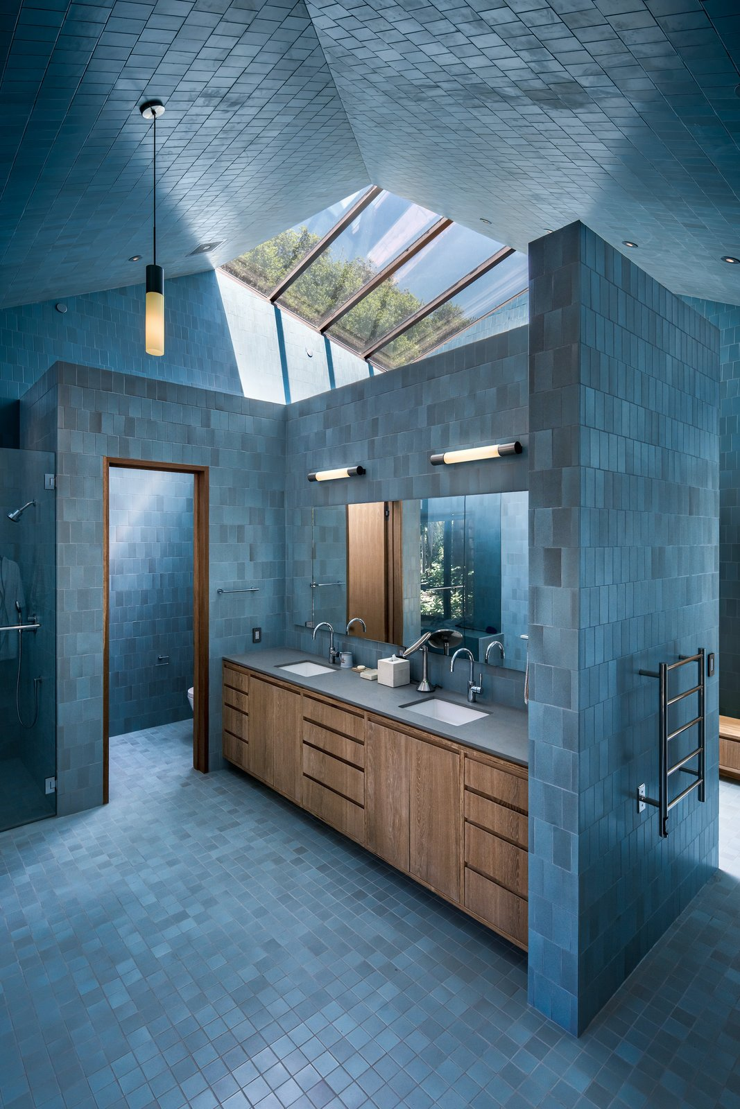 Bathroom in Branch House by TOLO Architecture