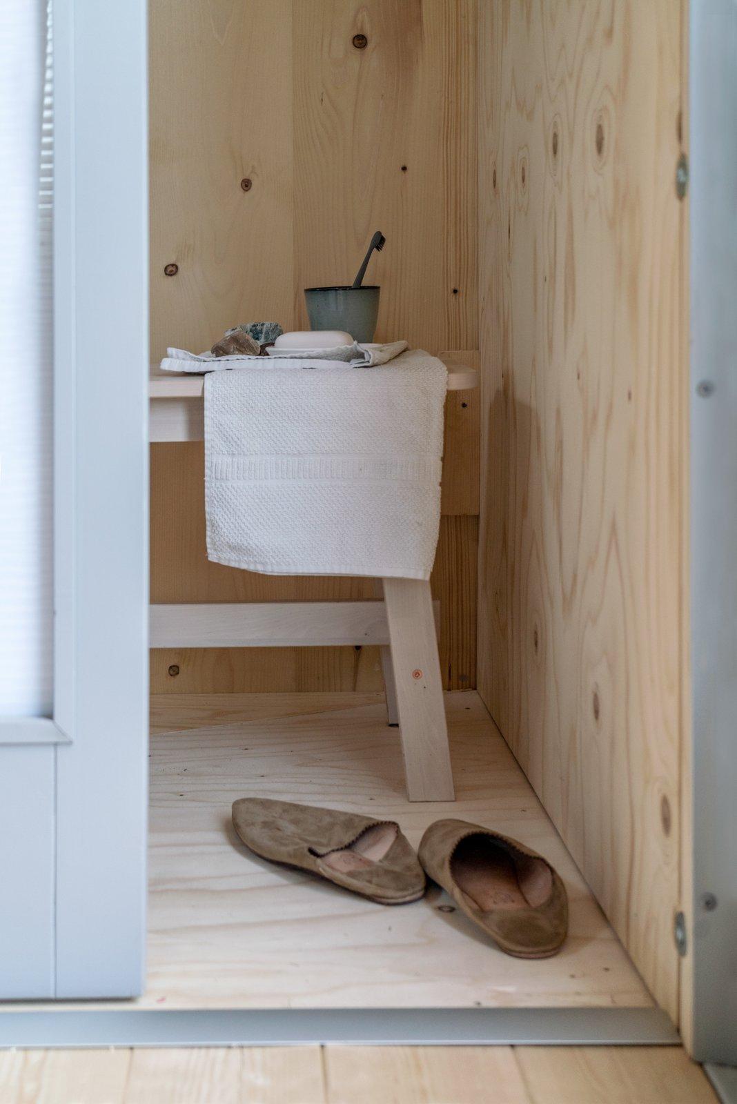 Bathroom of Kabinka by Hello Wood.