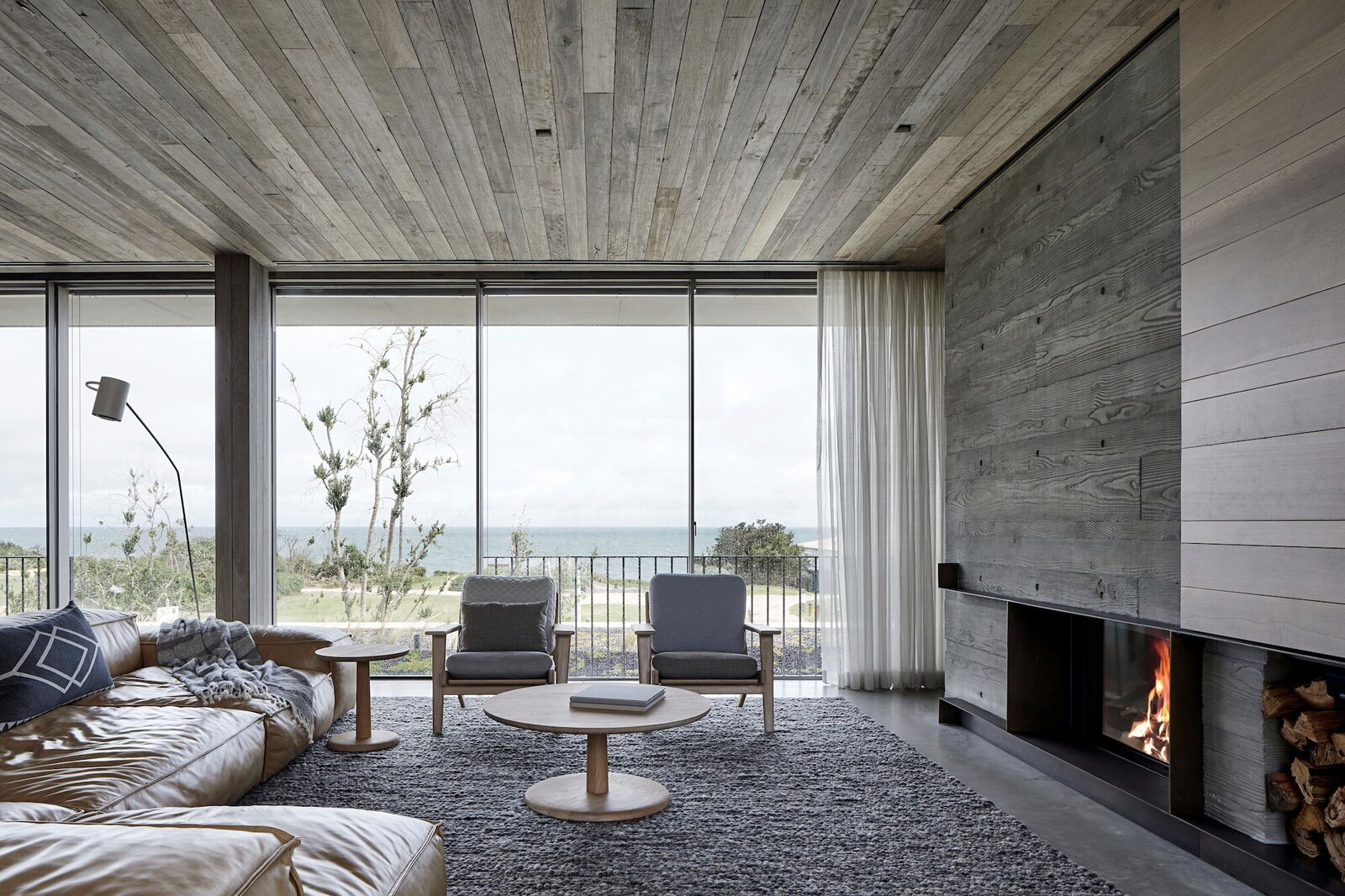 Living room of Silver Linings by Rachcoff Vella Architects.