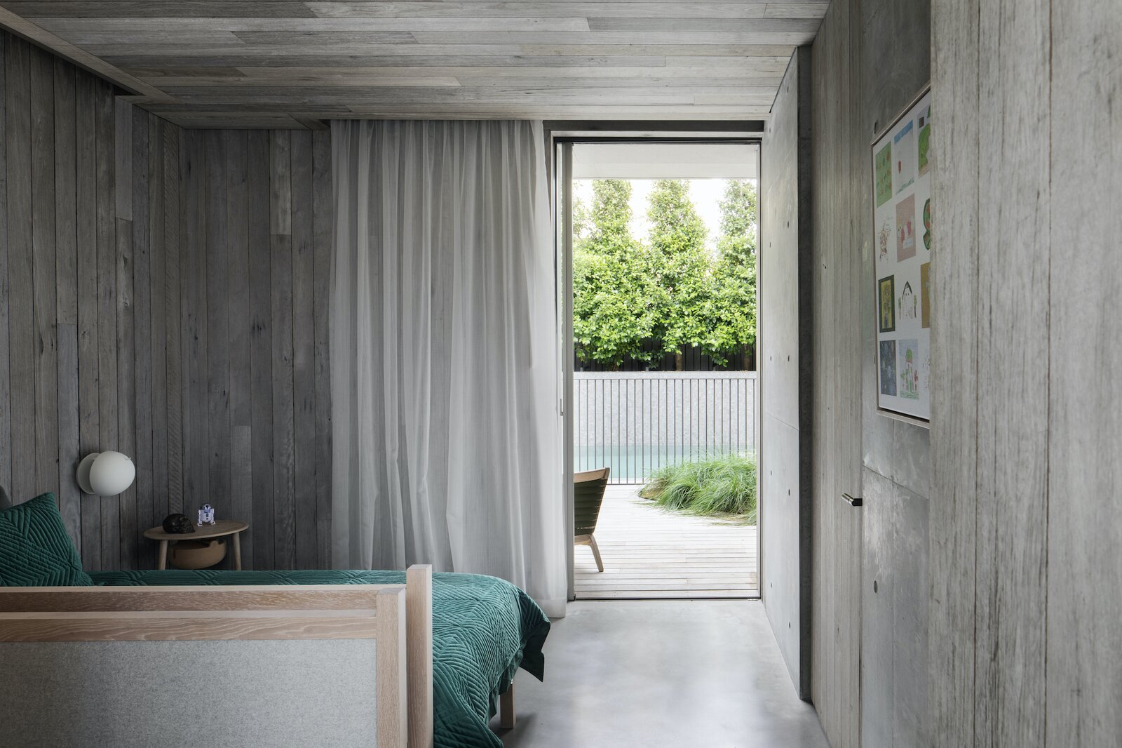 Bedroom of Silver Linings by Rachcoff Vella Architects.