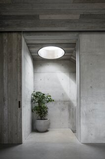 """One of the biggest challenges was prototyping, sampling, and testing to determine the correct formulas and process for the materials. """"Concrete, for example, when poured in different environmental conditions produces different results,"""" says architect Tony Vella. """"This doesn't always work for a homogenous architecture."""" As a result, the concrete was one of the most expensive elements of the home. """"It was extremely detailed and very laborsome, but definitely worth the investment,"""" reveals Vella."""