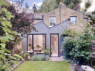 This Exquisite Extension With a Zigzag Roof Was Made Possible by Neighborly Collaboration