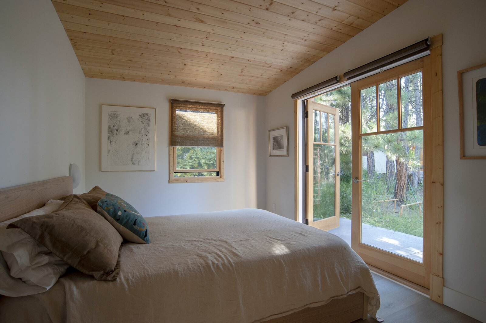 Bedroom of Treegazer.