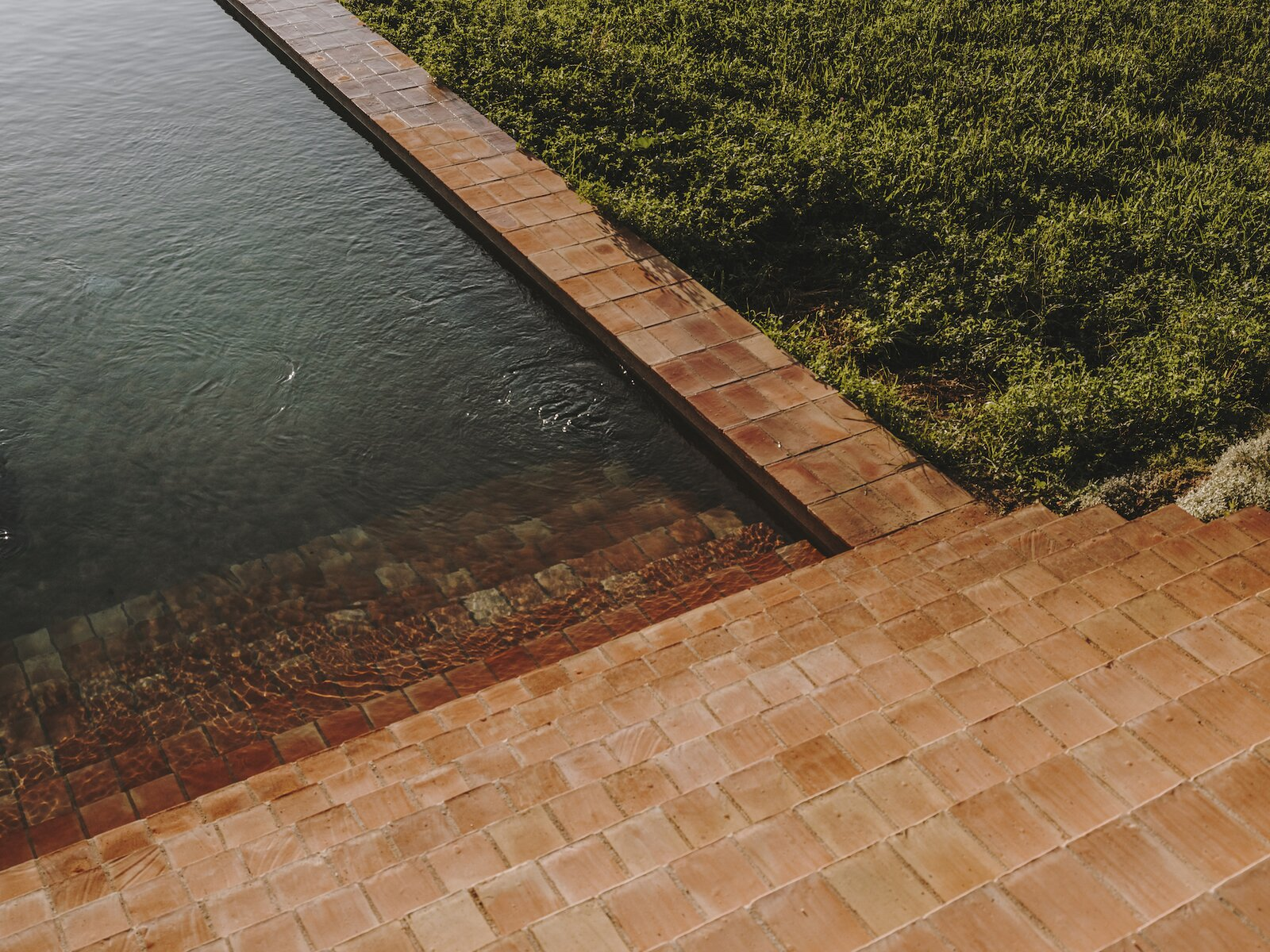 Pool steps of Casa Ter by Mesura.