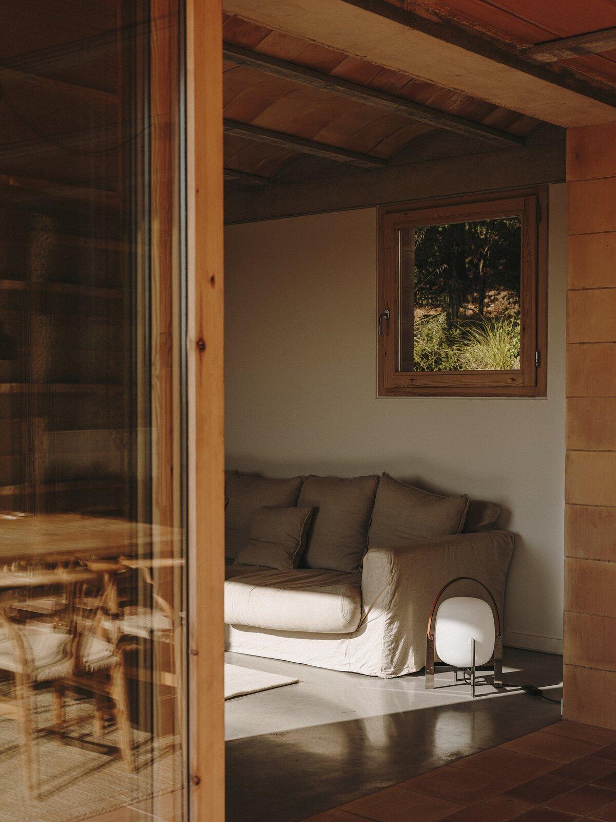 Living room of Casa Ter by Mesura.