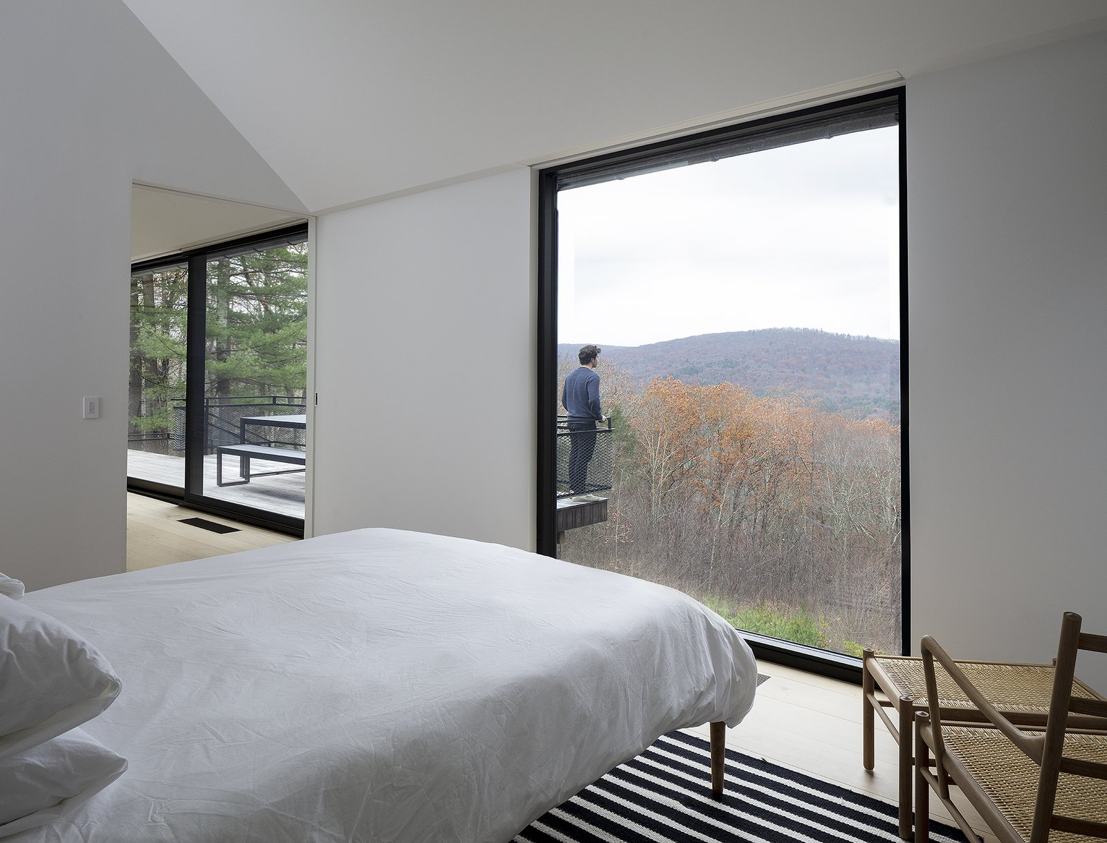 Ledge House by Desai Chia Architecture bedroom