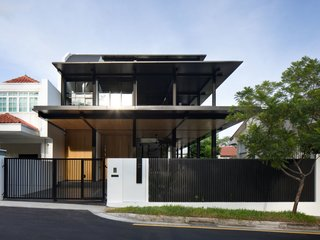 This house's success lies in it being true in a number of ways – to architectonic and material expression, to site and to the occupants' ways of life.