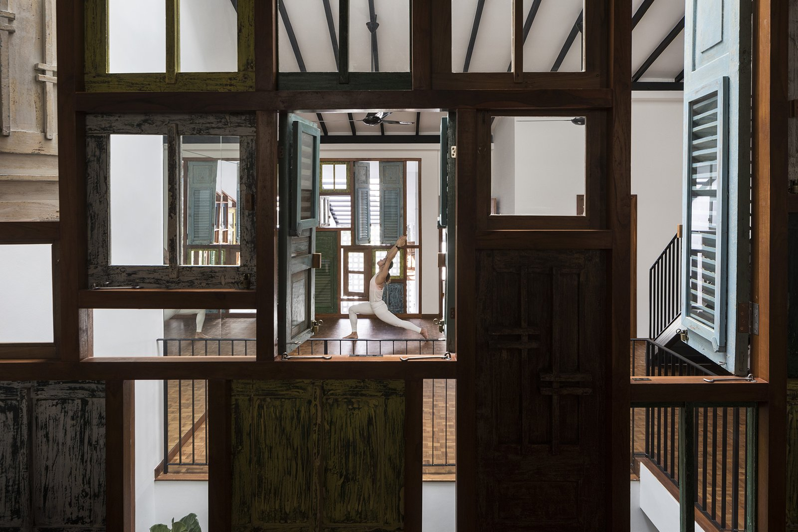 Heng House by Goy Architects Pilates Studio, Upcycling, Timber Windows, Tropical Living, Pilates Studio
