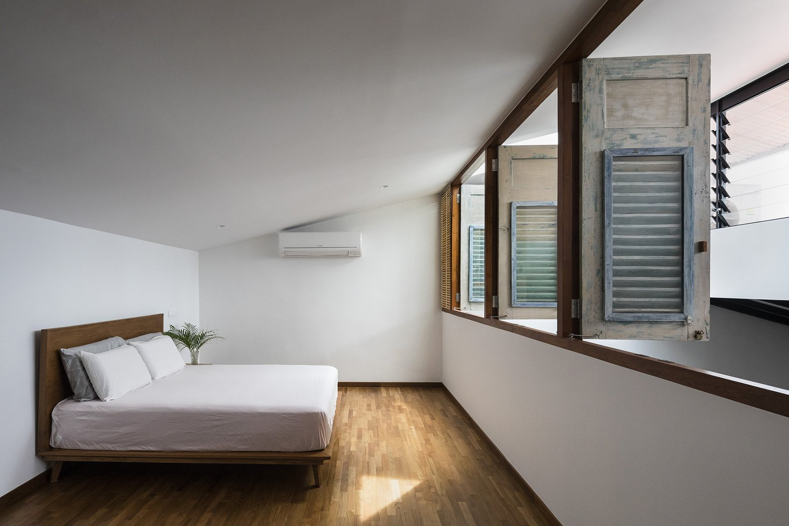 Heng House by Goy Architects Bedroom, Upcycling, Tropical Architecture, Natural Light