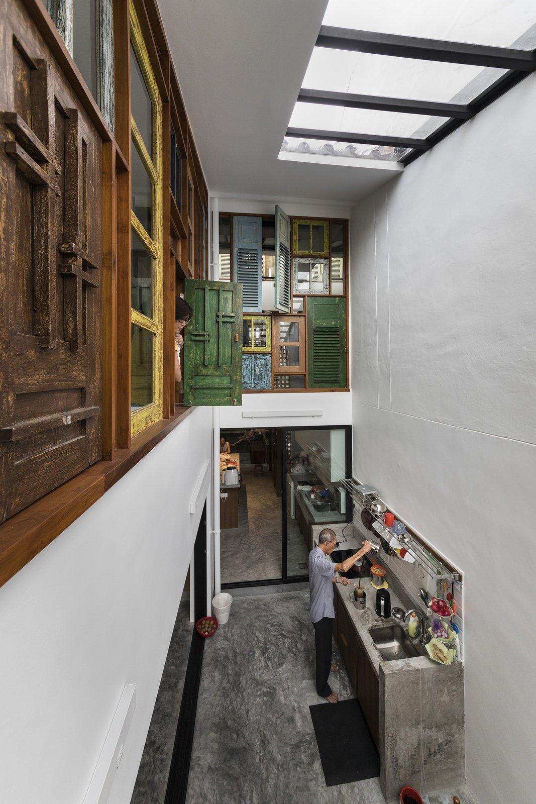 Upcycling, Renovation, Heng House by Goy Architects Kitchen, Timber Windows
