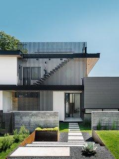 007 House by Dick Clark + Associates