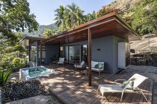 Best 60 Modern Outdoor Stone Patio Porch Deck Design Photos And Dwell