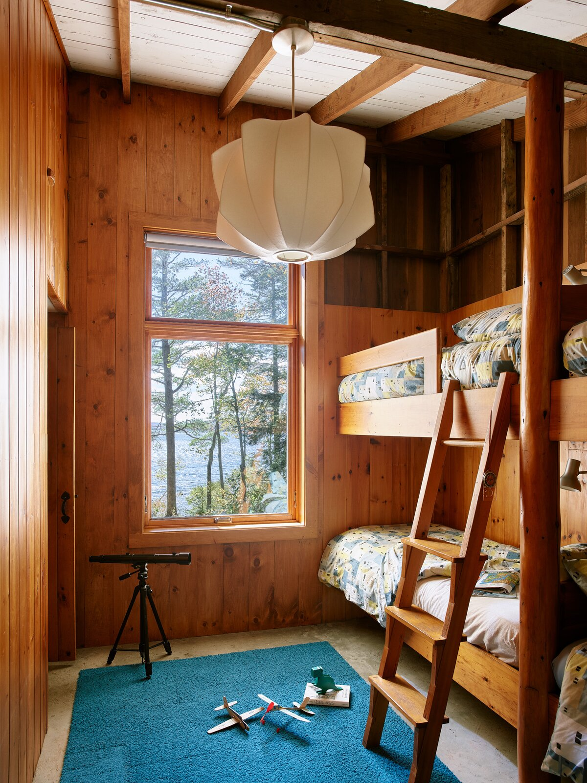 New Hampshire Lake Cabin by KCS Architects bunk room