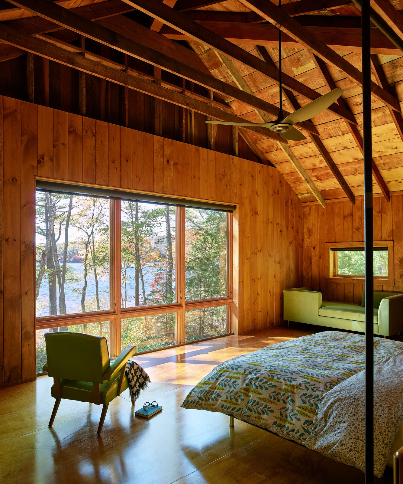 New Hampshire Lake Cabin by KCS Architects primary bedroom