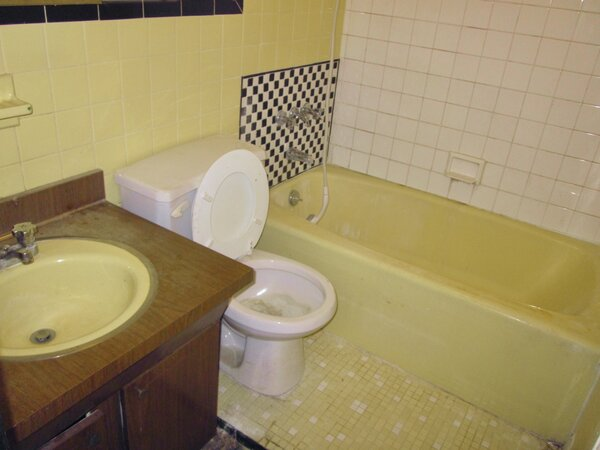 They also demolished the yellow bath on the second floor in favor of a spectacular primary bath on the third floor.