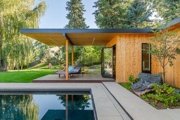 Best 60 Modern Outdoor Concrete Patio Porch Deck Design Photos