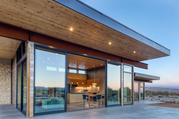 Escalante Escape kitchen area/exterior