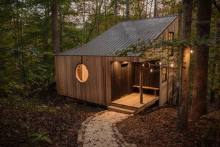 A Tiny Cabin in North Carolina Is an Enchanting Mix of Japanese and Scandinavian Style