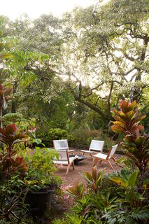 The cool, shady seclusion of Mount Tantalus has made it the ideal summer retreat for Oahu city dwellers since the early 1900s.