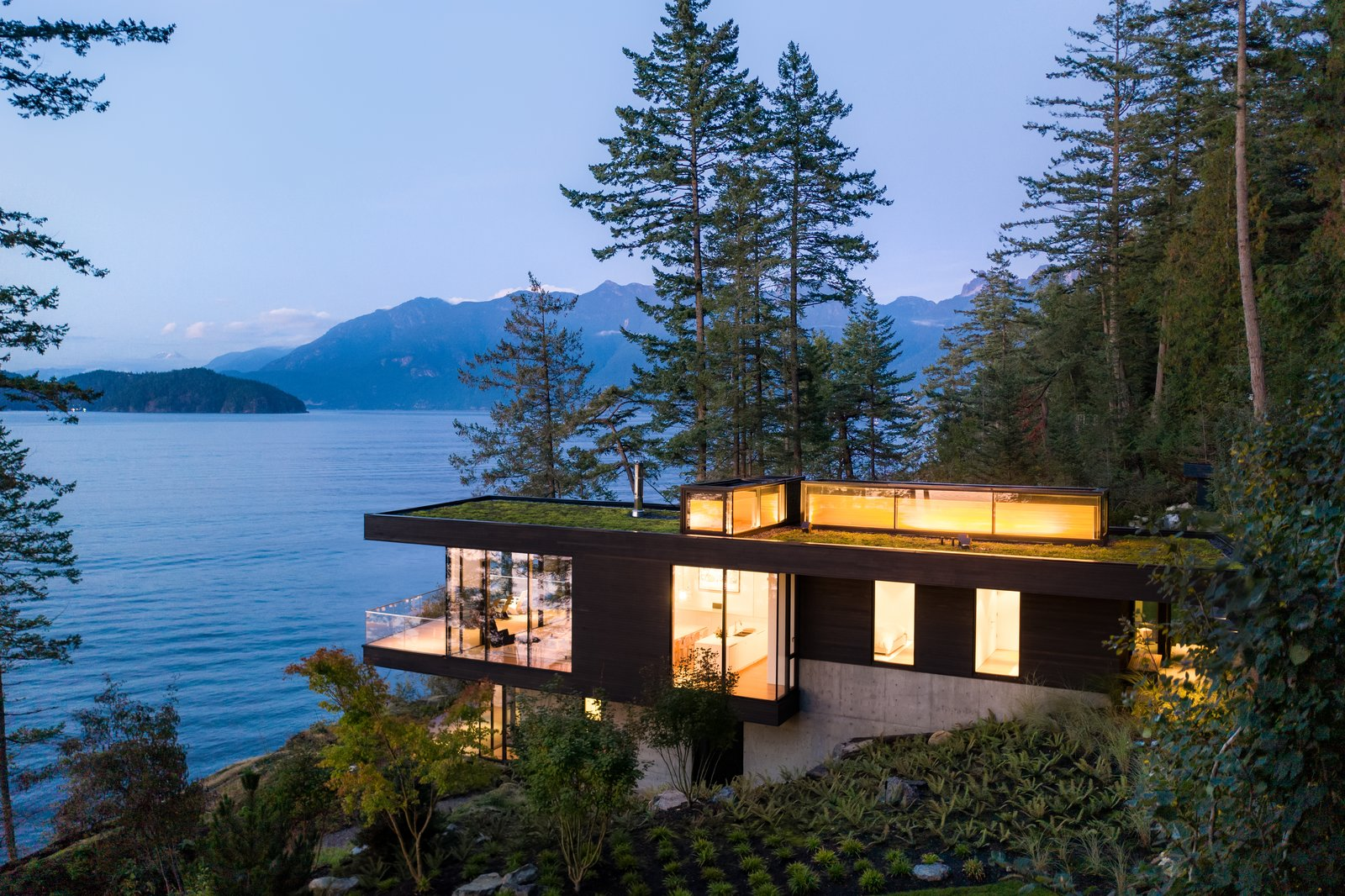 Exterior view of Bowen Island House by office of mcfarlane biggar architects + designers.