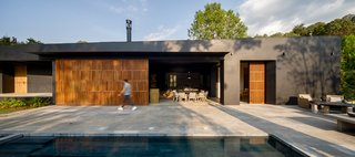 A Striking Black Home Offers the Best of Indoor/Outdoor Living to a Family in Mexico