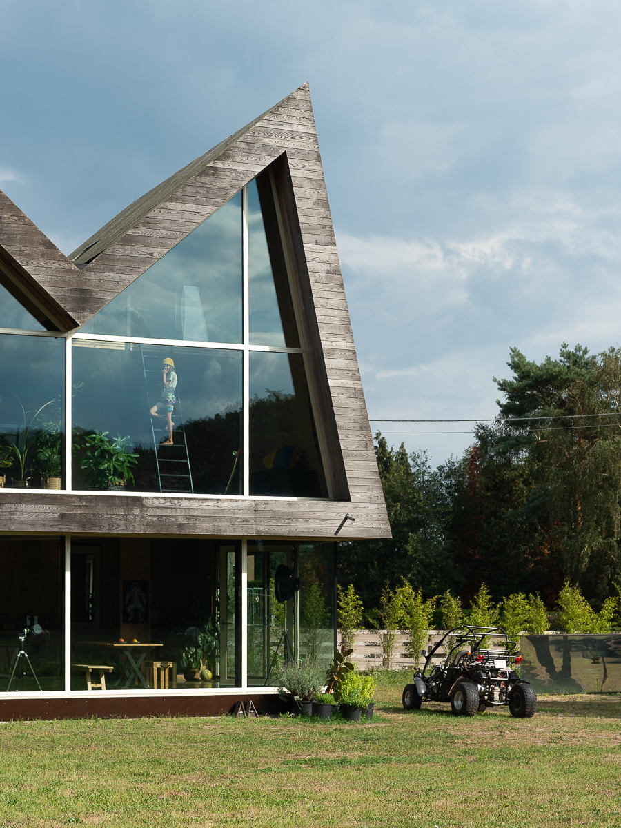 The Chairhouse (Villa Tellier) by ABN Architecten exterior with zigzag roof