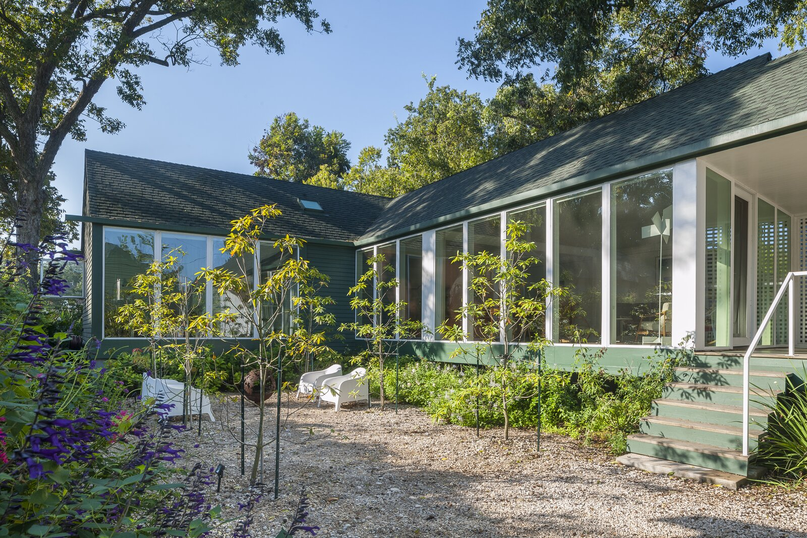 """This Charming Green Gable Home in Houston Is Pure """"Spatial Magic"""""""