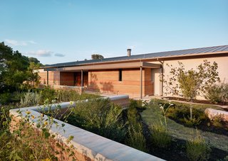 A Rammed-Earth Home in Texas Echoes the Landscape in Mesmerizing Fashion