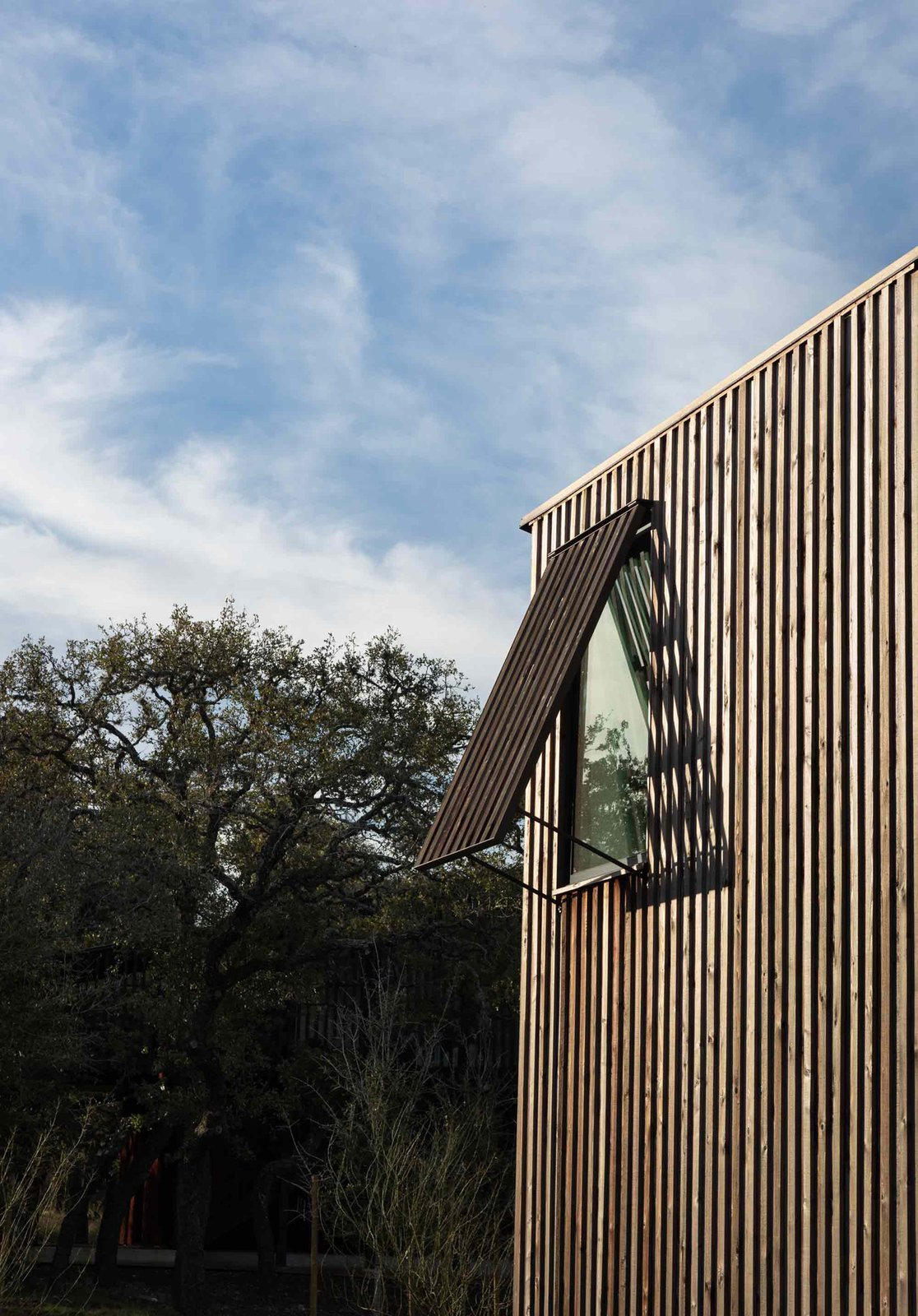 Camp Frio by Tim Cuppett Architects windows