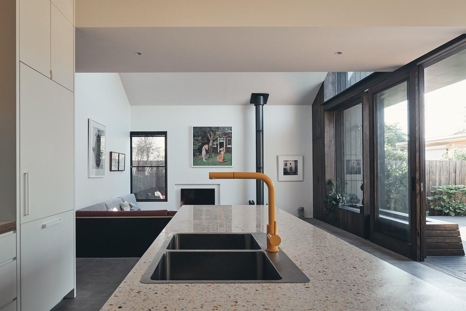 FMD Architects Split House kitchen