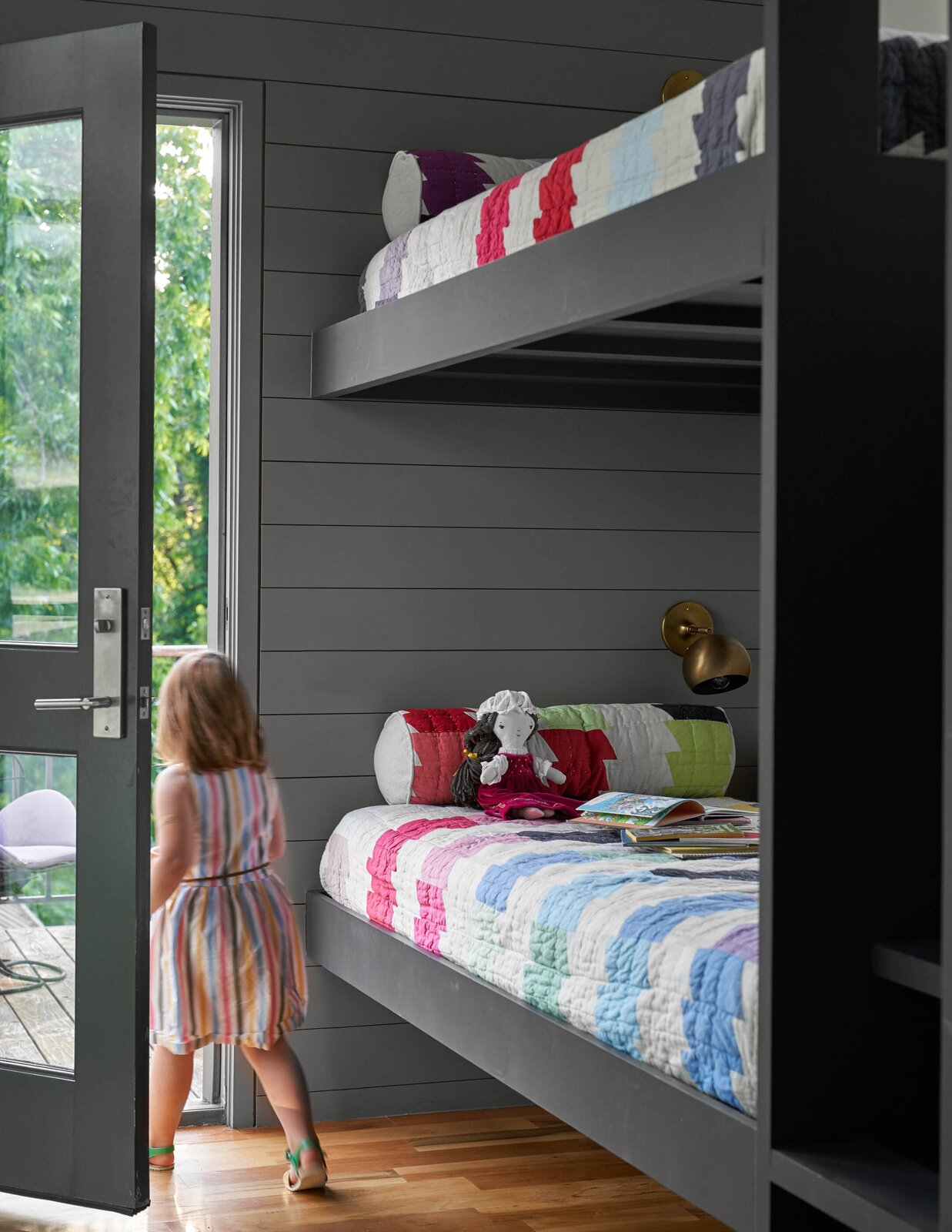 Bunk room in River House 2 by Bentley Tibbs Architect