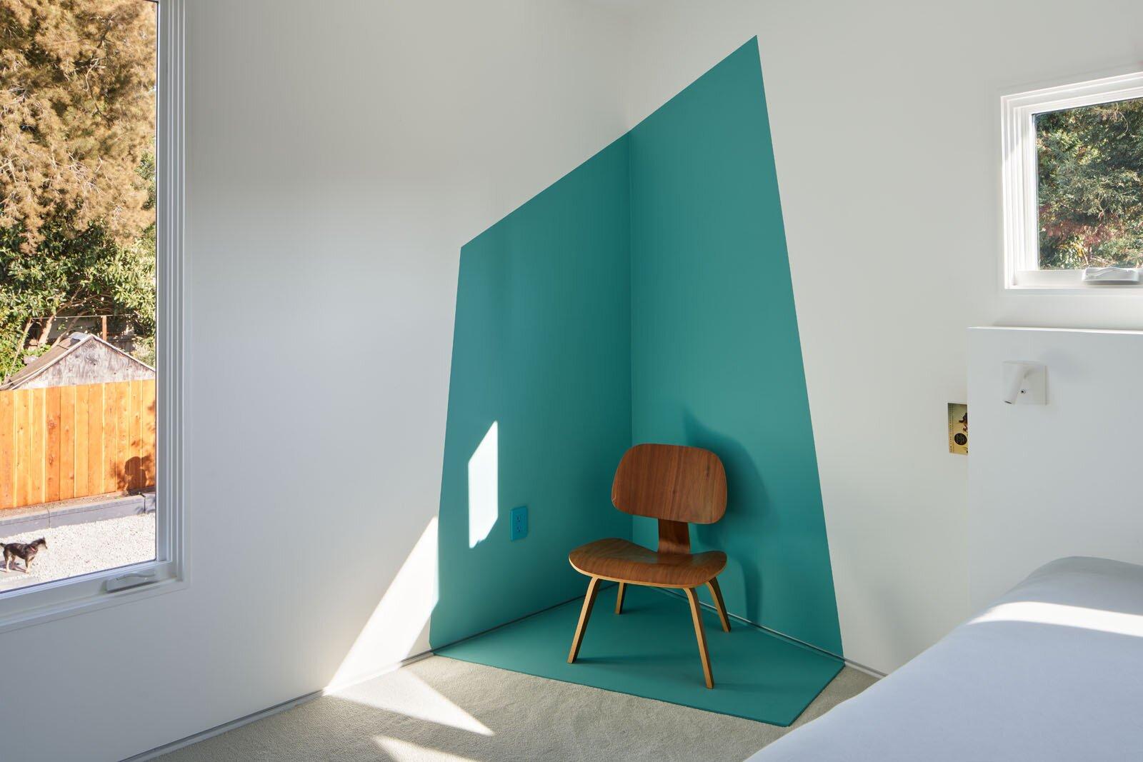 Bedroom in West Berkeley Residence by Sidell Pakravan Architects
