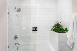 Best 60 Modern Bathroom Ceramic Tile Walls Design Photos And Ideas Dwell