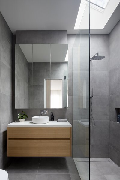 Master Ensuite with Skylight