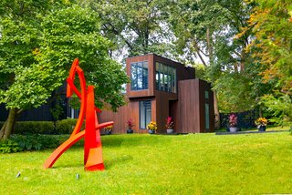 A Restored Midcentury With an 1,800-Square-Foot Addition Seeks $740K in Illinois