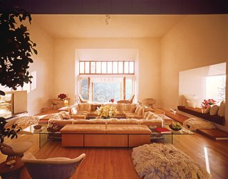 Platner designed his own house in Guilford, Connecticut, in 1970, as a set of pavilions centered on a great room. At the center of the great room was a fur-covered sofa surrounded by more furniture, in tones of taupe and tan, of Platner's own design.