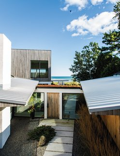 A Modern Lakeside Home in Wisconsin - Photo 8 of 8 -
