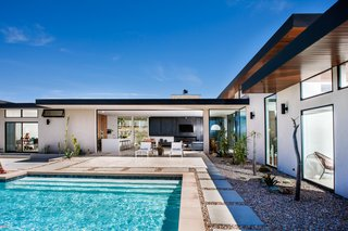 It's Time to Kick Off Dwell Home Tours—First Stop, San Diego - Photo 7 of 12 -